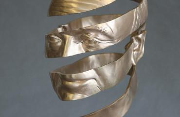 Bronzen portret mijnheer Stavenuiter