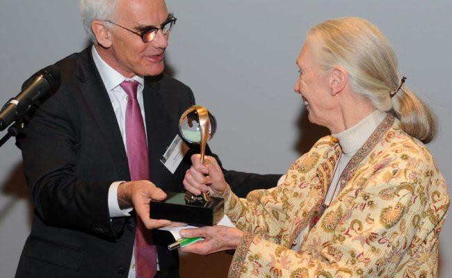 Overhandiging Beeldje Jane Goodall